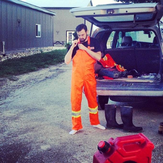 Hi viz Spency. Incase he falls in the mud we can find him. @spencerblack #swampdonkeys