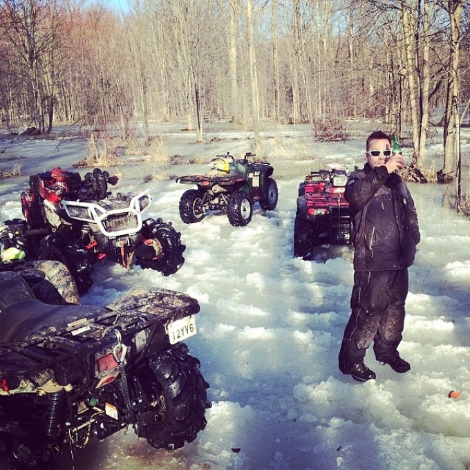 Time for a break #swampdonkeys #polaris #scrambler850 #honda #arcticcat #yamaha #beer