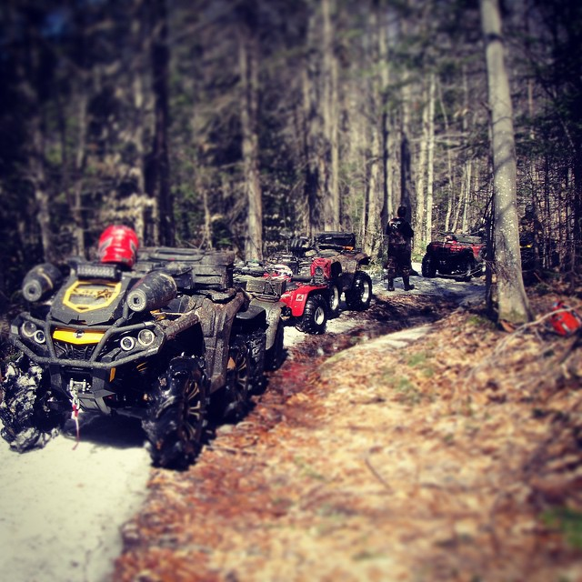 Trail side beer break 2015 #canam #outlander #xmr #800r #amrracing #tigertail #angeleyes #rigidindustries #gorillaaxle #SwampDonkeys Off Road Club: @webez9 @tomdrich @chriscross4653 @timmerlegrand @smithjaret