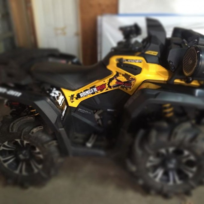Sneak peak 2015 #canam #outlander #xmr #800r #tigertail #angeleyes #rigidindustries #gorillaaxle #SwampDonkeys Off Road Club: @webez9 @tomdrich @chriscross4653 @timmerlegrand @smithjaret adam.stanley549