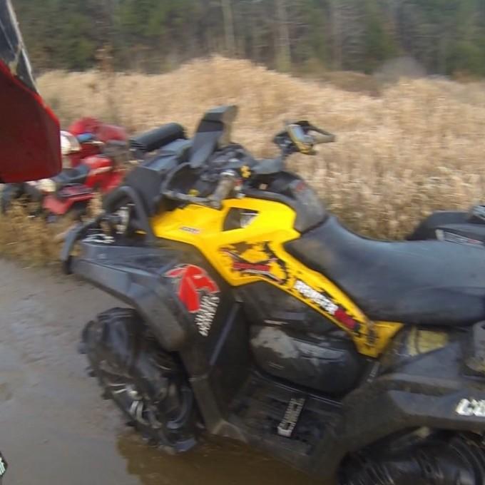 Trail side antics. #SwampDonkeys Off Road Club: @webez9 @tomdrich @chriscross4653 @timmerlegrand @smithjaret @adam.stanley549