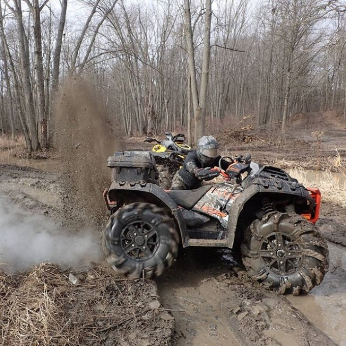Making rooster tails of cold frozen mud on the #Highlifter #1000 at #B&D #SwampDonkeys