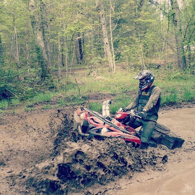 @adam.stanley.549 rocking the #farmer #auto #snorkel he made last minute for our trip up north with the #SwampDonkeys #Yamaha #grizzly