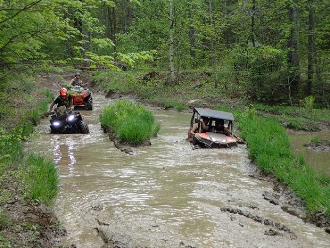 #swampdonkeys crew playing in the #mud #RZR #900 #trail #Arcticcat