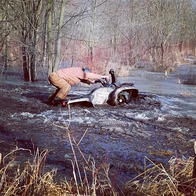 Careful not to get your boots wet @swampdonkeygrizz - Photo taken 2014 #swampdonkeys #yamaha #grizzly #700
