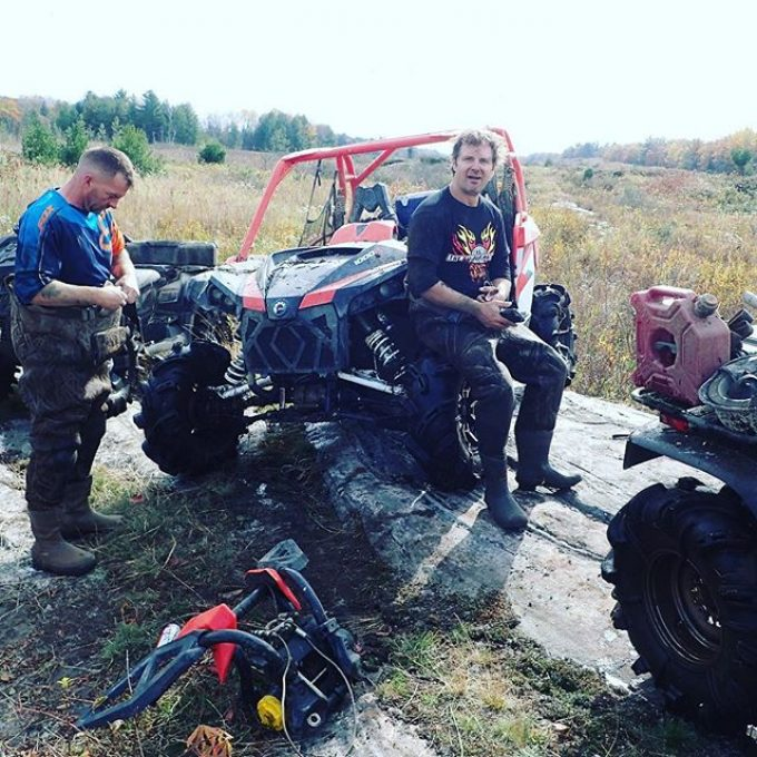#trailsidemod on the #canammaverickxmr – #bumperfail #winch #broken #swampdonkeys