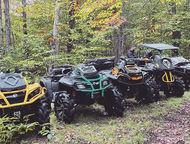 Impressive lineup of #canam and one #polaris for the #photobomb #swampdonkeys